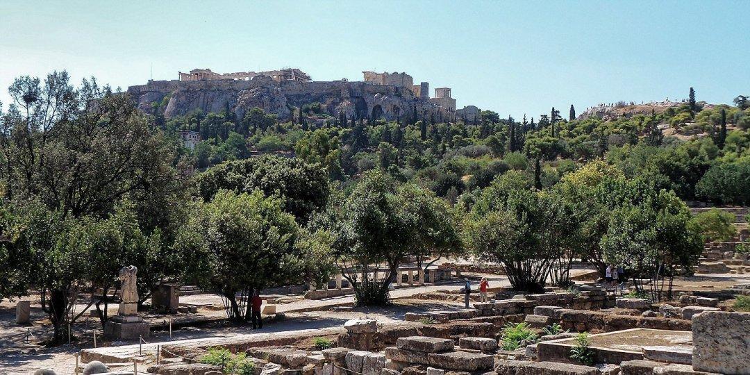 La Acrópolis, vista desde el Ágora