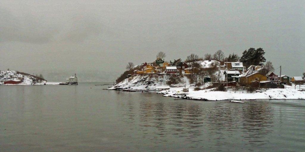 Lindøya y faro de Heggholmen