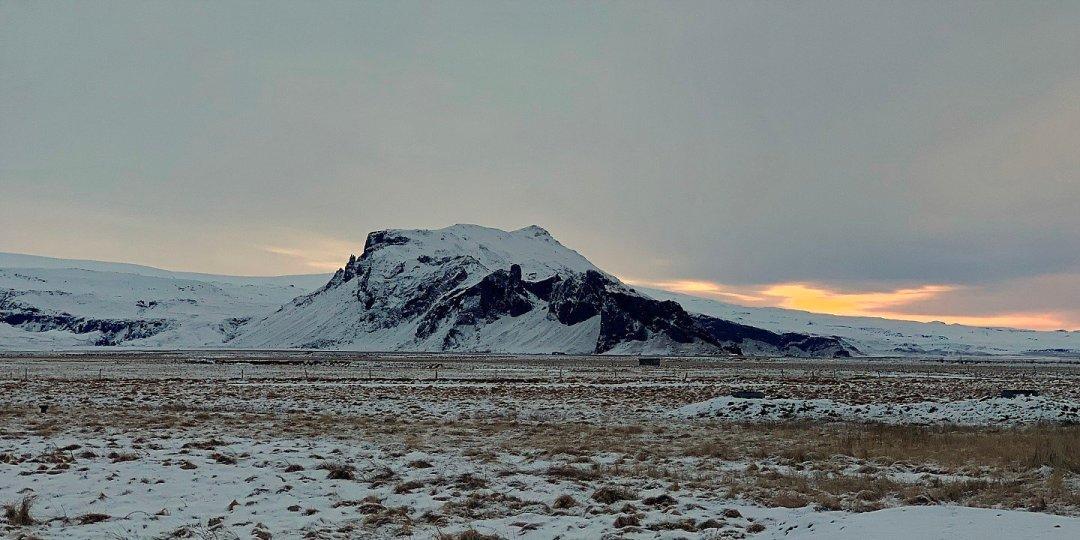 Drangshlíðarfjall al amanecer