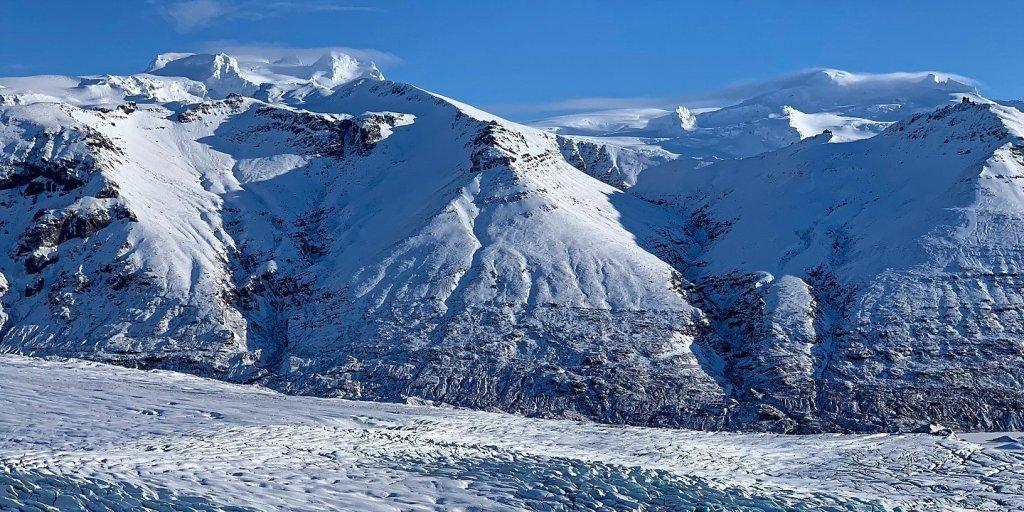 Montañas más allá del Skaftafellsjökull