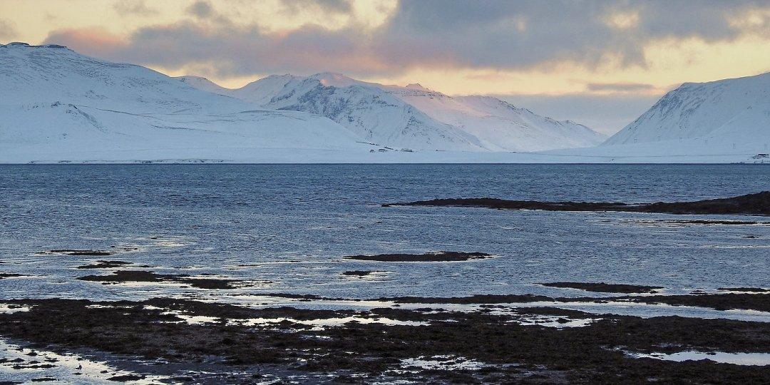 Amanece al este de Grundarfjörður