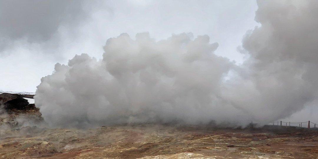 Nube de vapor en Gunnuhver
