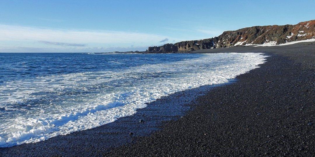 Vista de Djúpalónssandur hacia Dritvík