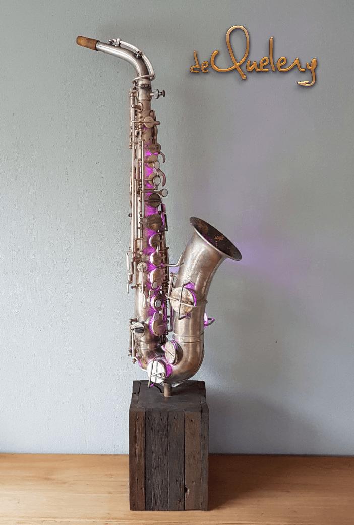 Martin Handcraft Lamp