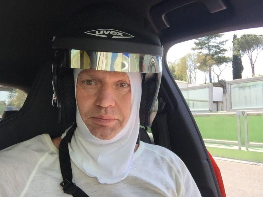 Friedbert im Audi RS3