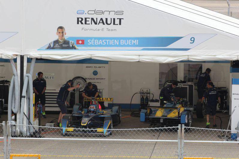 Formula E Berlin 2015 Sebastian Buemi Box