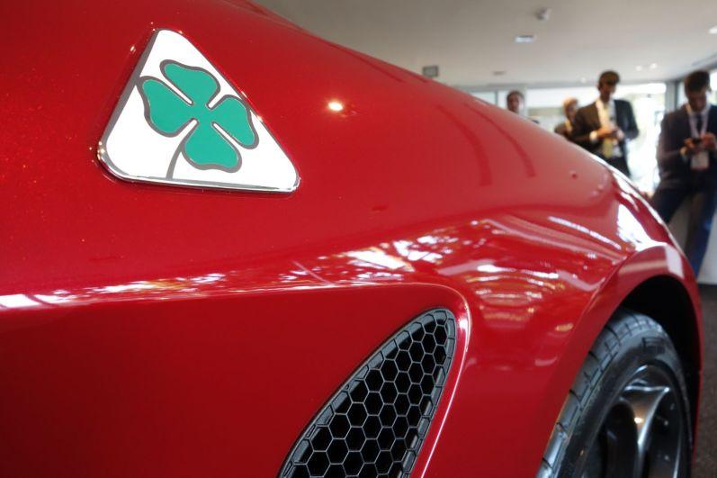 Alfa Romeo Guilia 2016 Kleeblatt Seite