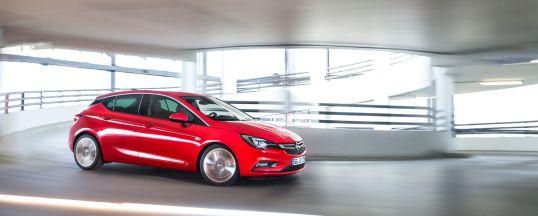 Opel-Astra-2015