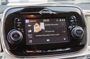 Fiat 500 2015 Facebook Integration