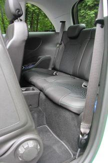 Opel Adam 2015 Rücksitze