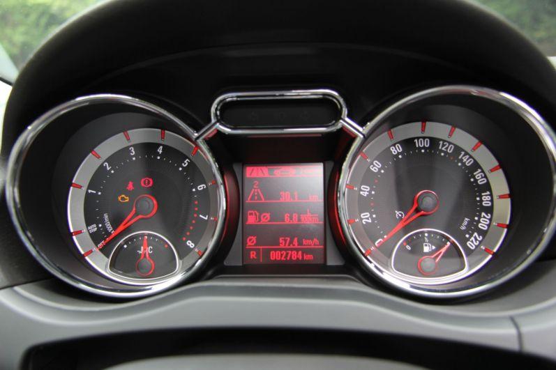 Opel Adam Kombiinstrument Tacho