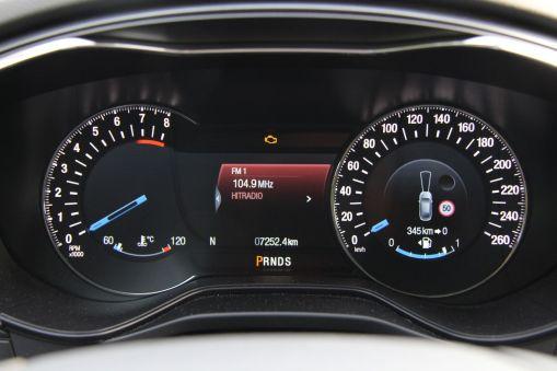 Ford Mondeo 2015 Zentrales Kombiinstrument