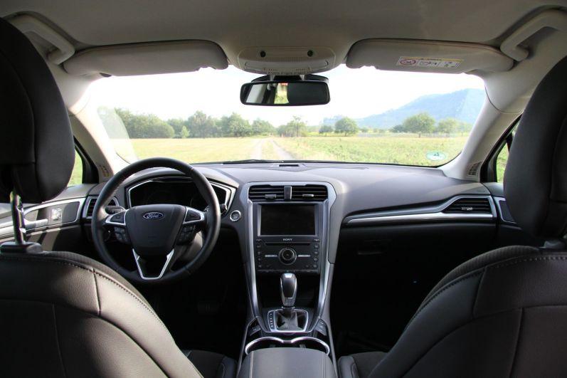 Ford Mondeo Turnier 2015 Innenraum