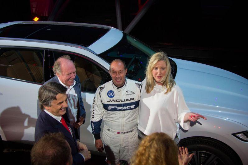 Jaguar F-Pace 2015 Rennfahrer