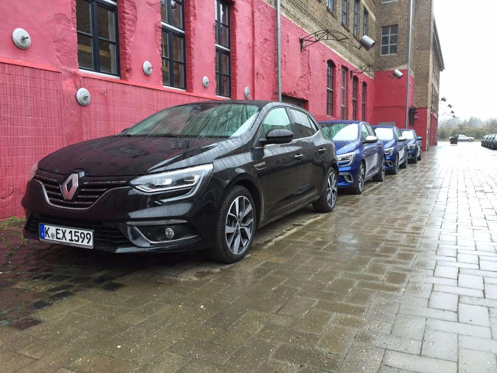 Renault Megané in Reih und Glied