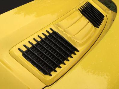 unterbrochene Längs-Gitter beim 911 Turbo