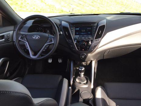 Hyundai Veloster Cockpit