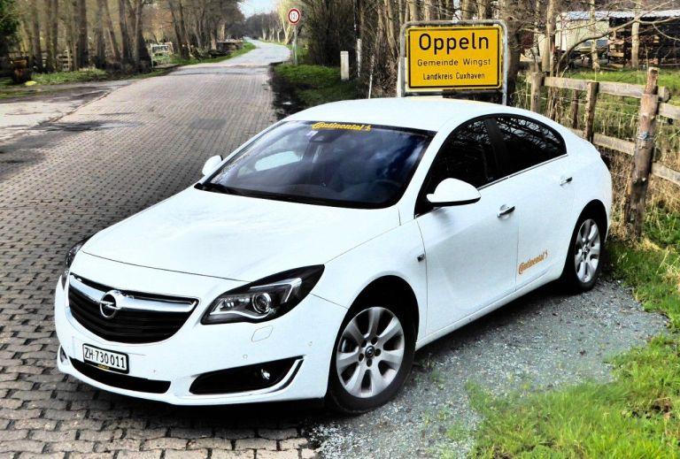 Opel Insignia fährt mit nur einer Tankfüllung 2.111 Kilometer