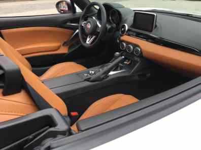 Fiat 124 Spider Cabrio Innenraum