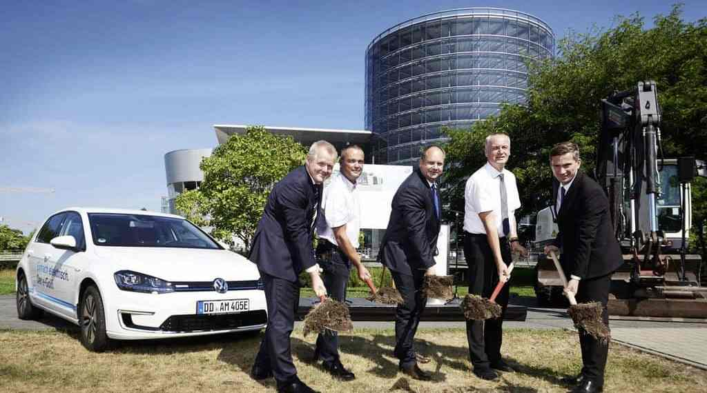 VW richtet in Dresden E-Tankstelle ein