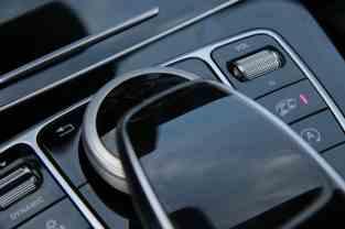 Mercedes C63 AMG Button