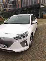 Hyundai IONIQ mit Elektroantrieb Scheinwerfer