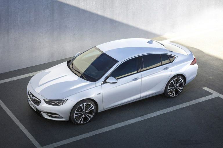 Enthüllung auf dem Genfer Automobilsalon: Der neue Opel Insignia Grand Sport