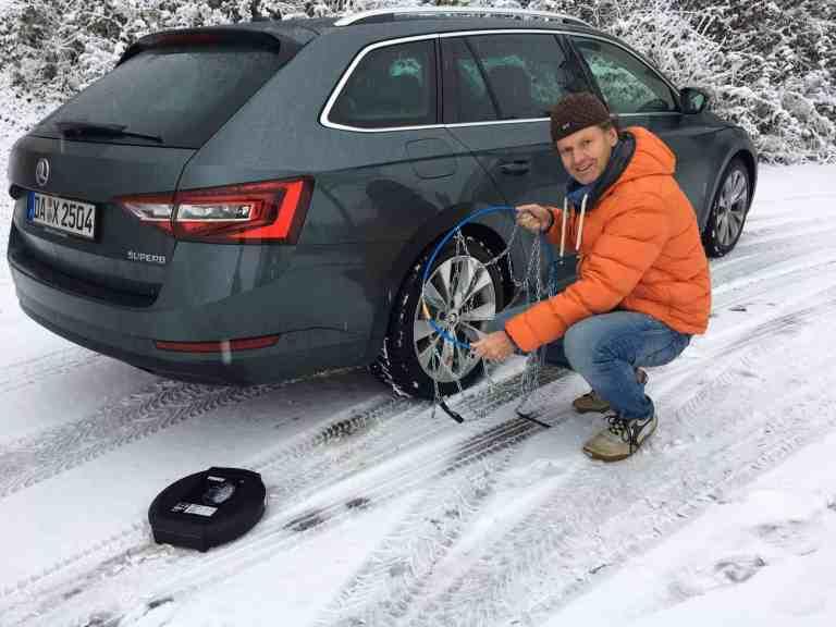 Schneeketten – Nach wie vor wichtig für Sicherheit auf verschneiten Straßen