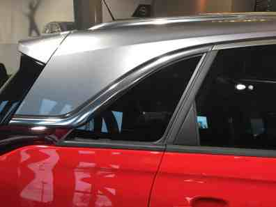 Opel Crossland X optisch schwebendes Dach