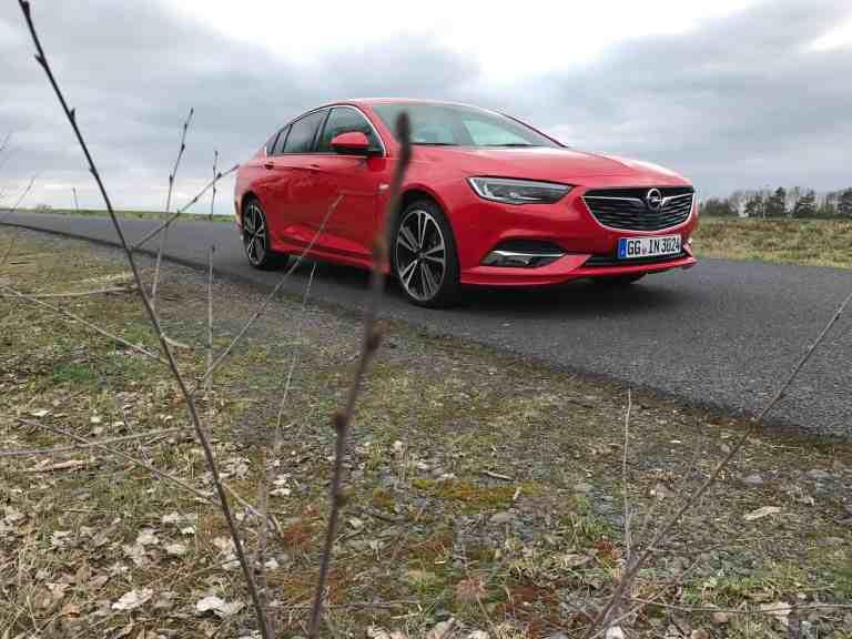 Eigenzulassungen: Opel liegt vorne