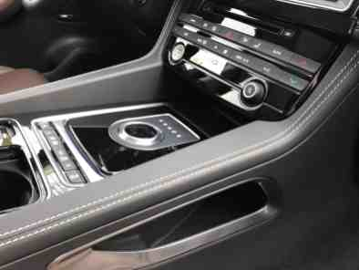 Jaguar F-Pace Mittelkonsole