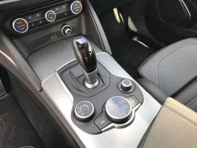 Alfa Romeo Stelvio Schaltknauf