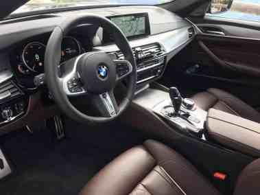 BMW M550i xDrive (G30) 2017 Cockpit