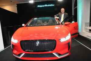 Jaguar setzt München unter Strom