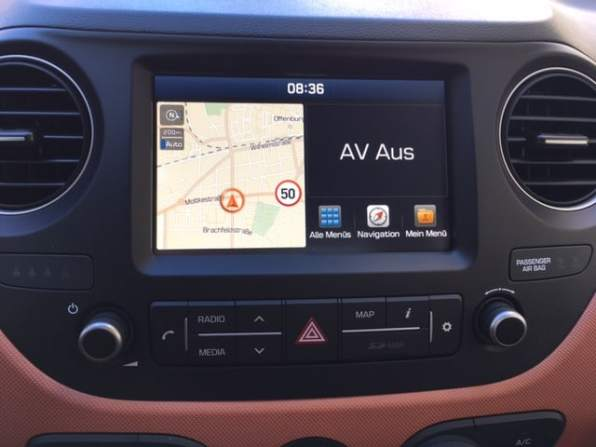 Hyundai i10 display