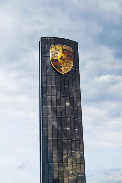 Porsche eröffnet Niederlassung Berlin-Adlershof