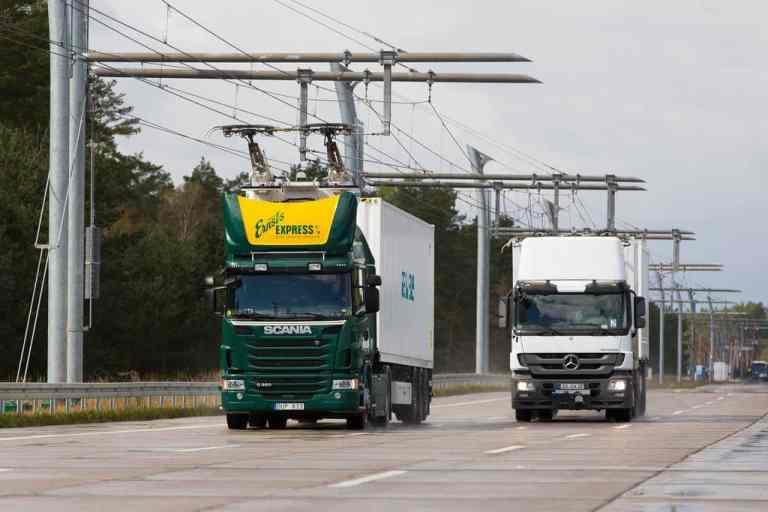 Siemens baut Oberleitung für Hybrid-Lkw