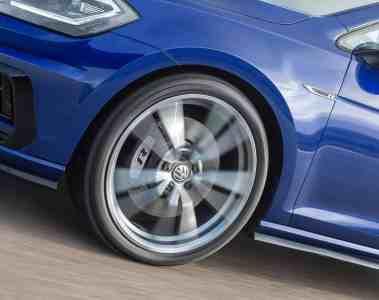 VW Golf Performance-Paket: Nur Fliegen ist schöner