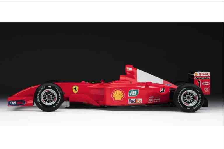 Schumis Weltmeister-Ferrari versteigert