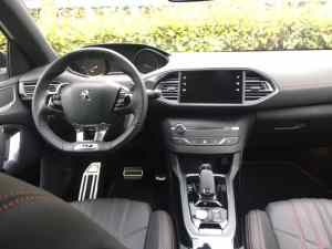 """""""Bonjour chérie"""" -Ma Peugeot 308"""