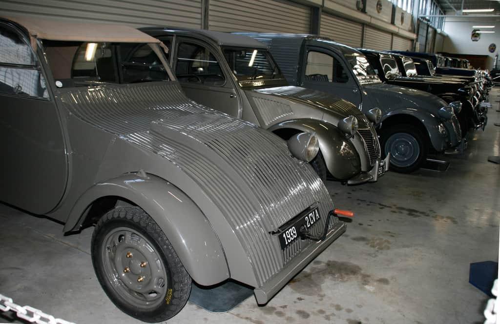 2CV im Conservatoire Citroën