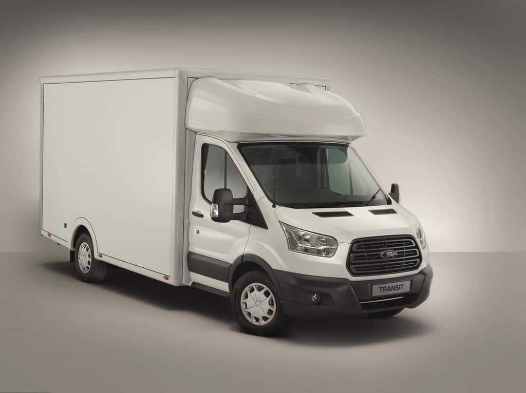 Ford Transit Mit Weiterentwickeltem Tiefrahmenfahrgestell Der