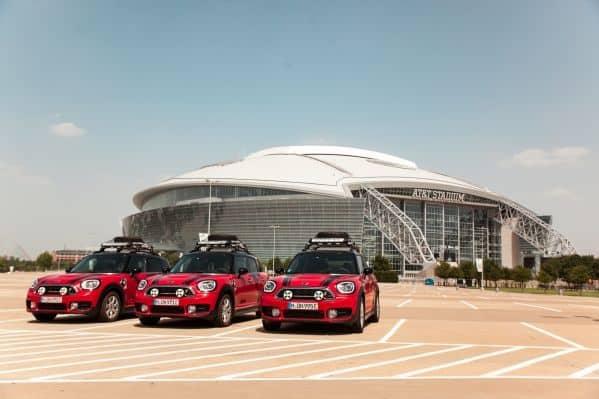 Drei MINI Cooper SE Countryman ALL4 begeben sich auf Panamericana Abenteuer.