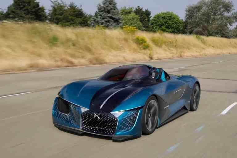 DS zeigt vier elektrifizierte Modelle in Paris