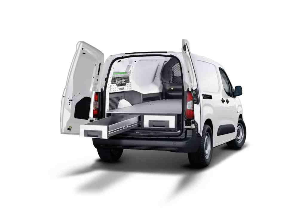 Neuer Peugeot Partner zeigt sich auf der Nutzfahrzeuge IAA