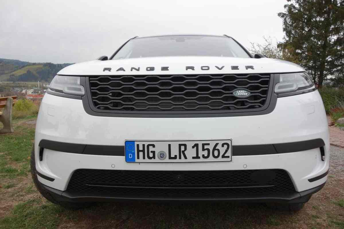 Range Rover Velar, Kühlergrill