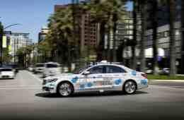 Daimler und Bosch wollen mit der Mercedes-Benz S-Klasse im kalifornischen San José einen vollautomatisierten und fahrerlosen Mitfahrservice testen.
