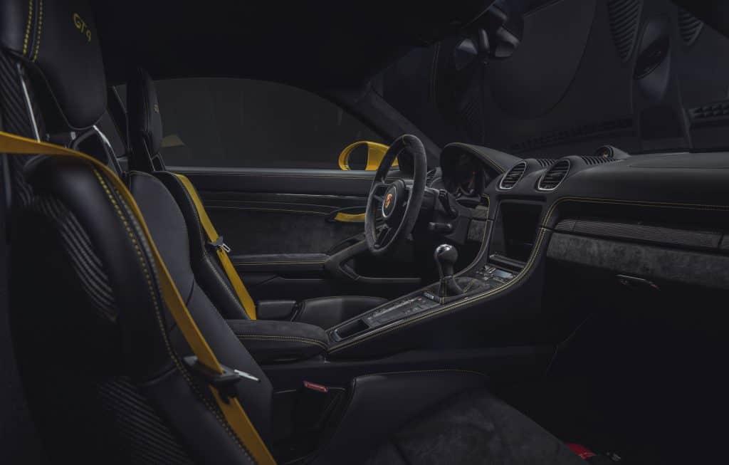 Porsche 718 Cayman GT4.