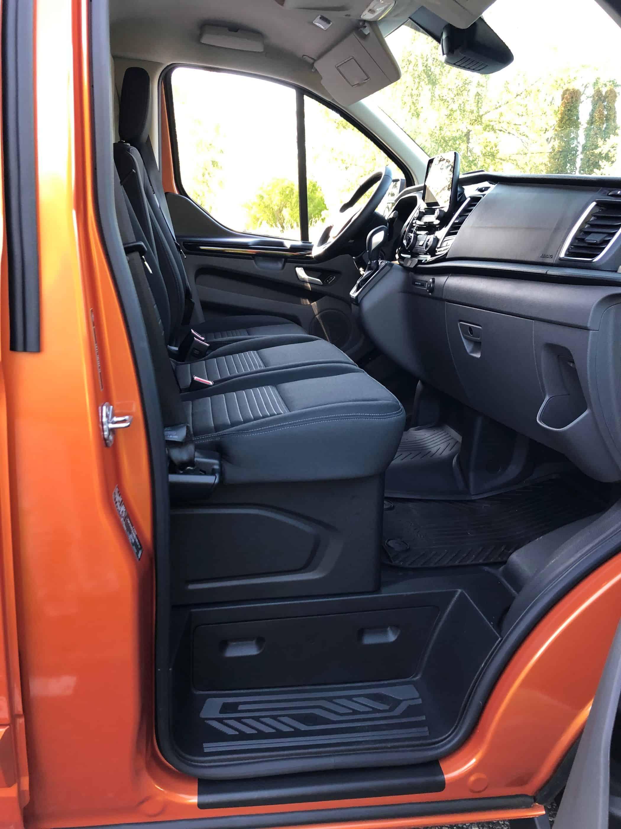 Plug-in-Technik in Ford Transit & Tourneo - kein Problem mit Fahrverboten in der Stadt