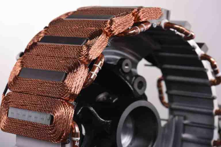 Die Spulen des Reluktanzmotors im Detail (Foto: Michael Schuff / TH Köln)